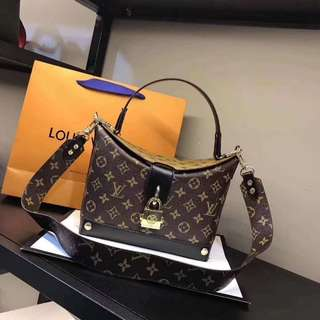 (PO) Louis Vuitton