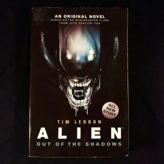ALIEN Out of the Shadows (2014 Titan Books)