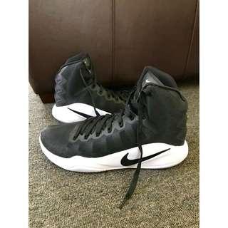 Black Nike Hyperdunk