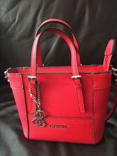 Guess crossbag  (cute) twice use only