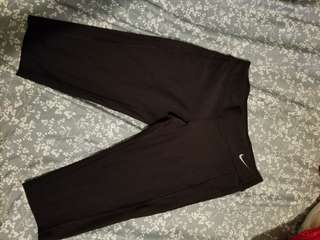 Nike Dry Fit cropped leggings