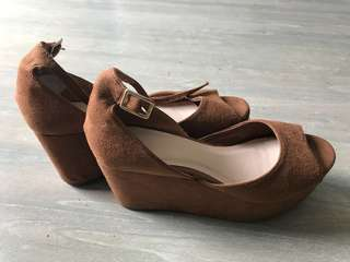 Glassons brown platform shoes