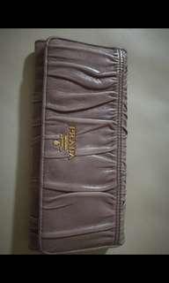 Prada wallet grauffe