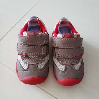 Brand new Pediped Grip n go shoes