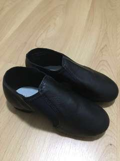 New black leather jazz shoes size 13.5CH/ 185/ Eur 27