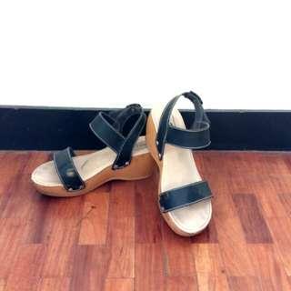 Wedge Black Shoe