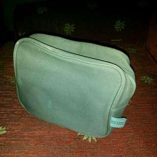 Makeup kit/pouch / Travel kit/pouch