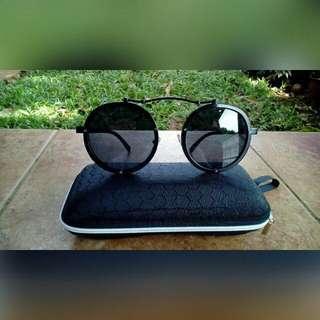 Kacamata hitam UNISEX unik dan elegant!