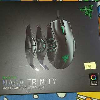 Razer naga trinity RGB