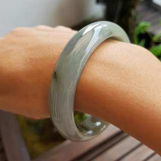New Jadeite Bangle