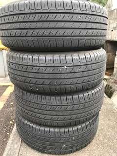 Dunlop EC300 215/60/16