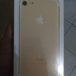 Iphone 7 32GB GOLD ex Internasional , Garansi sudah habis masih segelan NEW