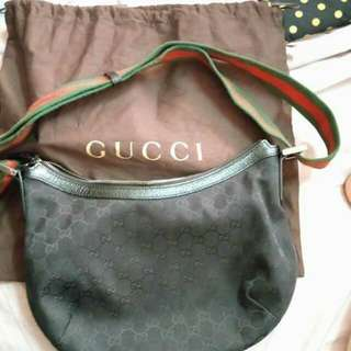 Gucci Sling Bag original