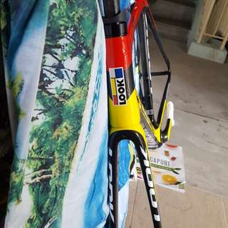 LOOK BICYCLE  CARBON  FIBER FRAME  MODEL 695