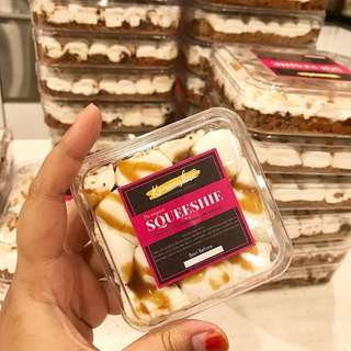 Squeeshie Marshmallow Dessert