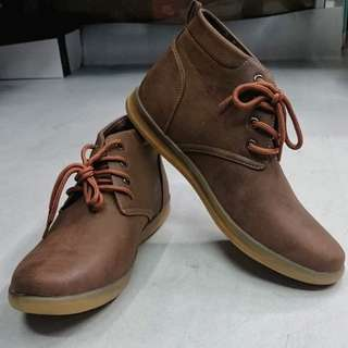 Chukka Boots (BRAND NEW)