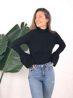 Black knit with flare sleeve