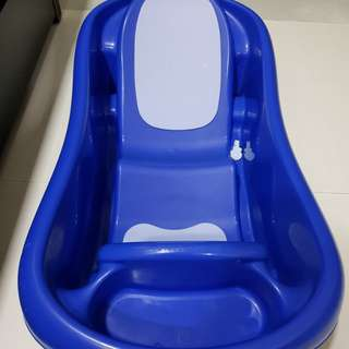 The First Years Sure Comfort Deluxe Bathtub
