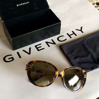 Authentic Givenchy Metal Bridge Cateye Sunglasses