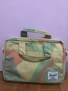 Original Herschel Messenger Bag with Strap