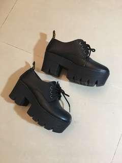 黑色厚底 鬆糕鞋 類馬汀  23-23.5