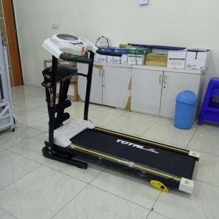 Treadmill Elektrik TL629 motor 1,5 HP 3 fungsi Memiliki Run Area Murah