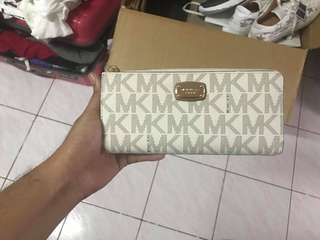 Michael Kors wallet fresh from US