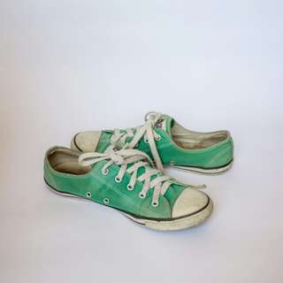 Converse Green Size 8