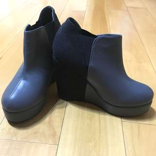 🚚 日本購入拼接灰黑高跟鞋