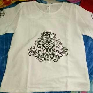 SALE !!!Preloved white top