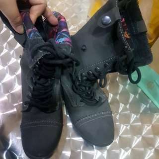 Rue21 Gray combat boots style size 8