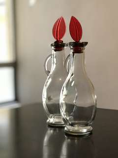 Vinaigrette Dispensers