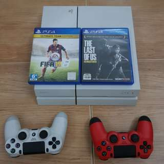 Selling Playstation 4 + 1 CONTROLLER only
