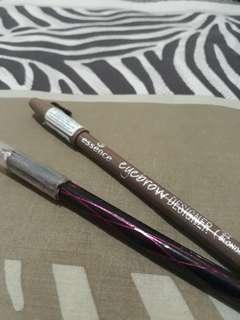 eyeliner maybelline dan pensil alis essence