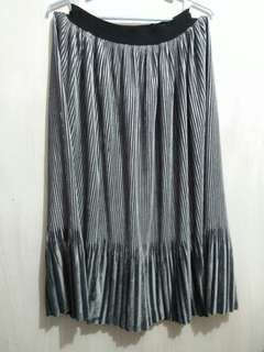 Gray Pleated Velvet Midi Skirt (Garterized Waistband)