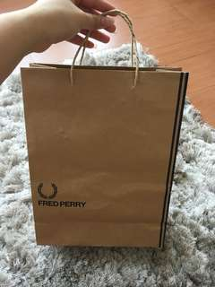 Plastik fred perry