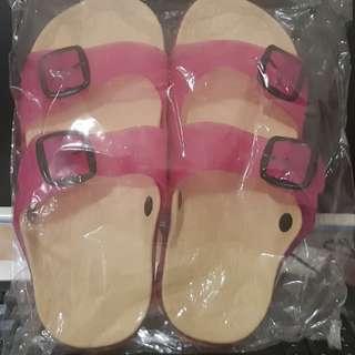 🚚 糖果防滑室内外拖鞋今天特別價現貨一双4O號