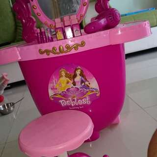 Pretend and play girls pink dressing table