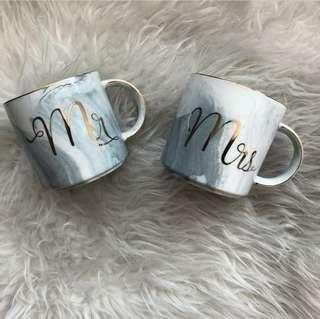 Mr & Mrs marble mug set