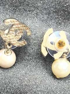 Chanel 吊珠 耳環 全新購自巴黎 保正真品