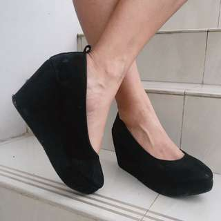 Austin Black Wedges by Adorableproject