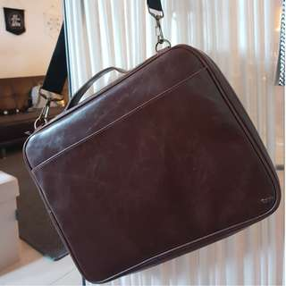 Laptop / Tablet Bag (with small compartments)