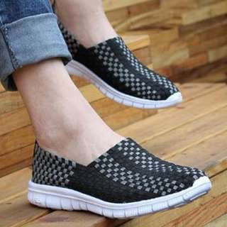 COMFORTABLE WALKING ( EVERYDAY ) SHOES <<>>