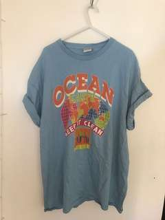 Vintage // ocean earth t - shirt