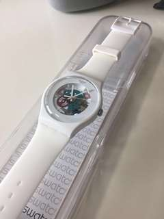 Swatch Unisex SUOW100 white lacquered (cracked but working pls check the 2nd photo)