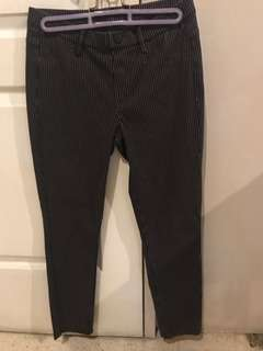Uniqlo stretch pants. Black stripe. Medium. Still new. Srp 990
