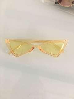 Yellow retro sunnies