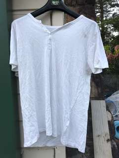 Jay Jays Medium buttoned White tee