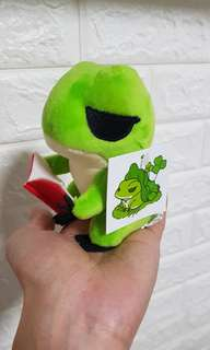 Fast deal !!! Travelling frog pushie 旅行青蛙