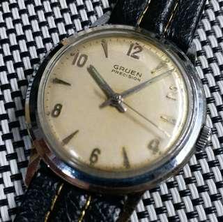 瑞士製Gruen Precision古董錶,60年代產物,原裝面,無番寫,17石上弦機芯,已抹油行走精神,塑膠上蓋,錶頭直徑34mm不連霸的,淨錶港幣$800,有意請pm